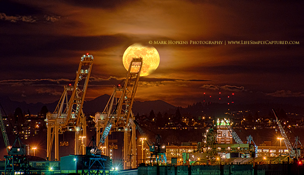 PerigeeMoon By MarkHopkinsPhotography Super Moon Photography: How to Shoot the Moon