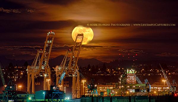 moon in seattle
