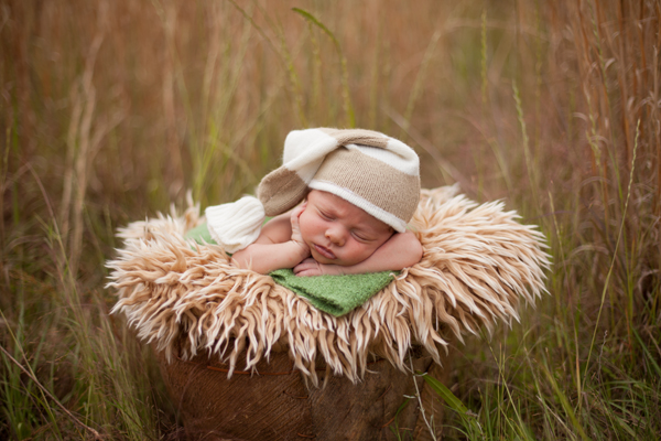 How to edit outdoor newborn images with newborn necessities