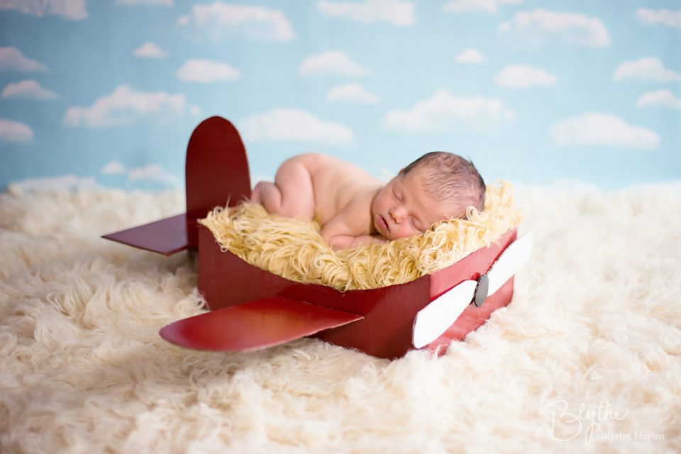 Make a diy box airplane prop for newborn photography mcp diy box plane solutioingenieria Image collections