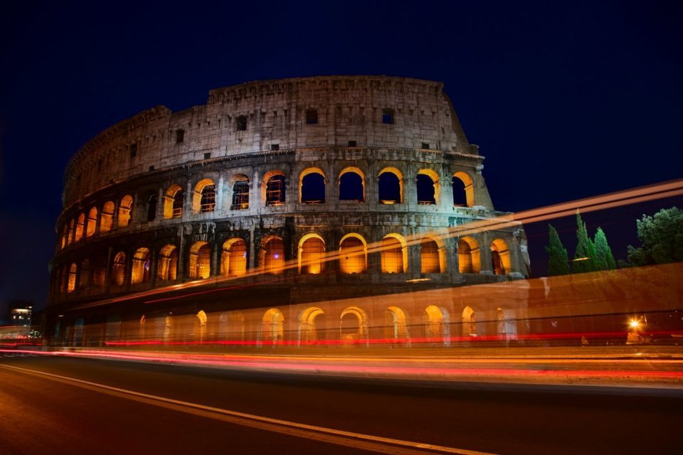 how to take photos at night in rome