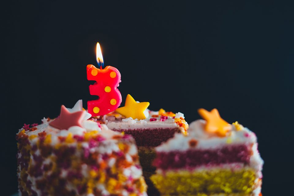 cake photo with dark background